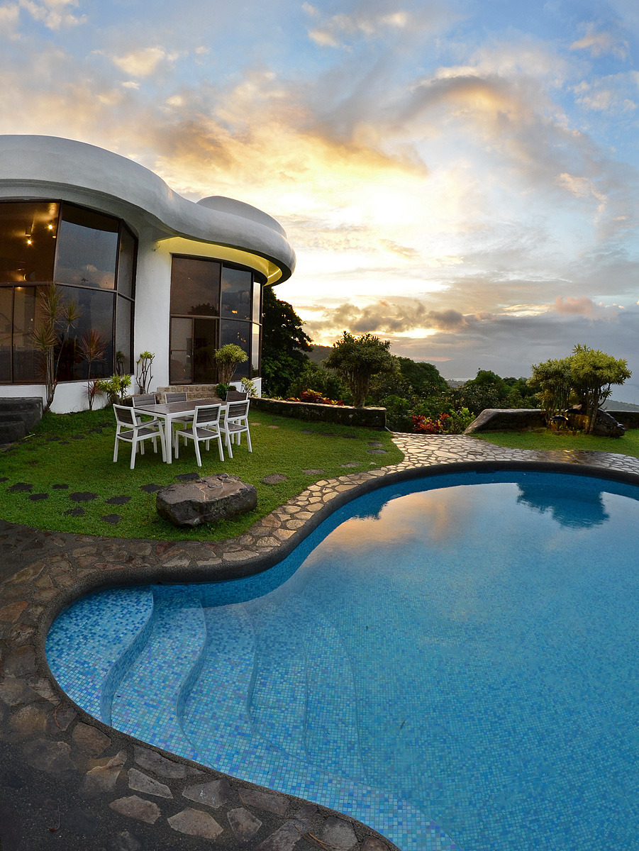 Pool Raffi 39 S Way 4 Bedroom Villa With Pool In Tagaytay